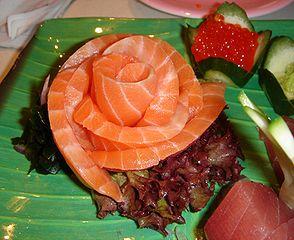 294px-Salmon_sashimi